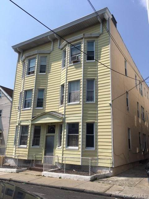 Single Family Home for Sale at 133 Morningside Place Yonkers, New York, 10703 United States