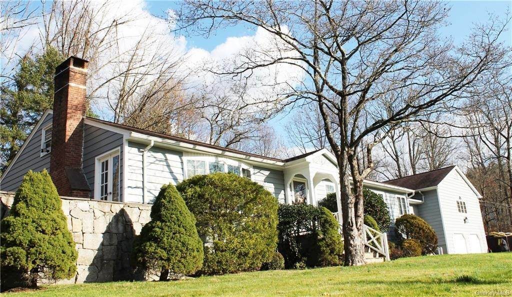 Single Family Home for Sale at 36 Indian Hill Road Bedford, New York, 10506 United States