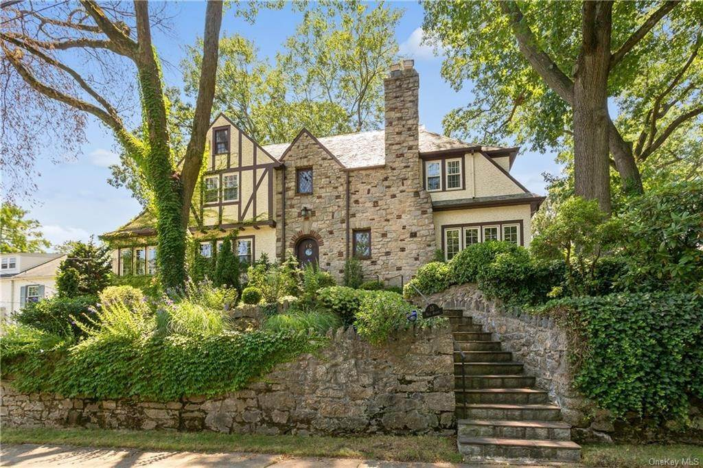 Single Family Home for Sale at 10 Hall Avenue Larchmont, New York, 10538 United States