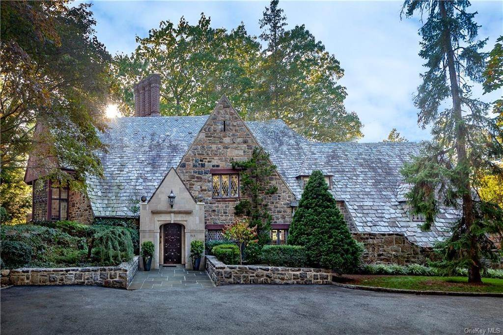Single Family Home for Sale at 3 Elm Rock Road Bronxville, New York, 10708 United States