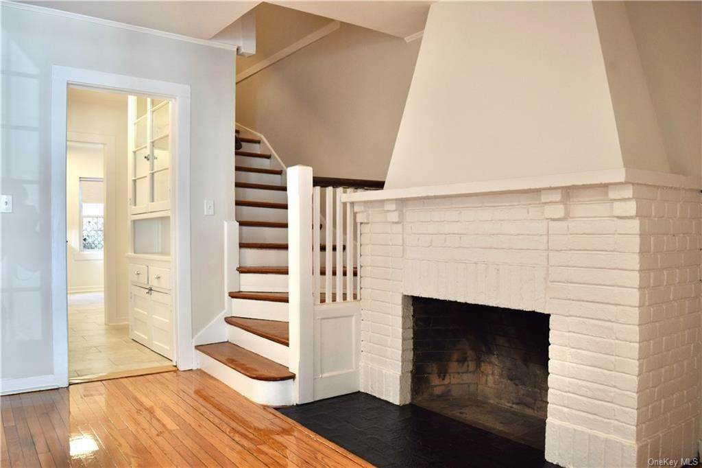 10. Rental Communities for Rent at 4 Prescott Square Bronxville, New York, 10708 United States