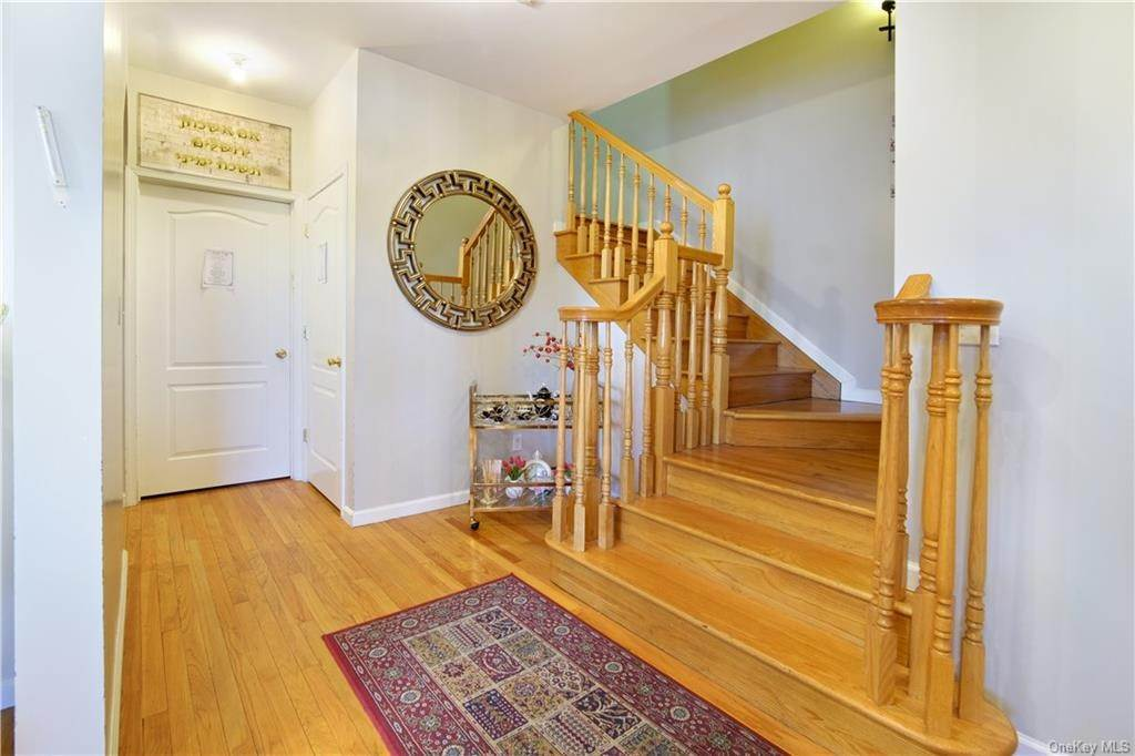 10. Single Family Home for Sale at 1116 Parkview Drive Spring Valley, New York, 10977 United States