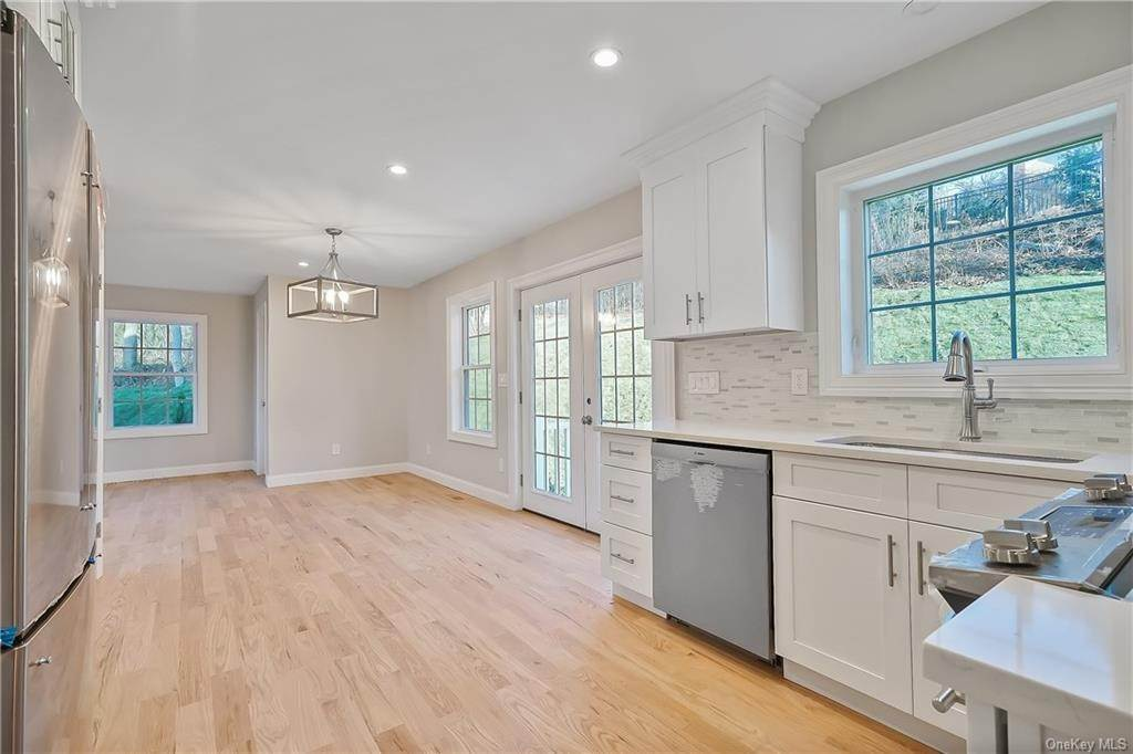 10. Single Family Home for Sale at 64 Hawkes Avenue Ossining, New York, 10562 United States
