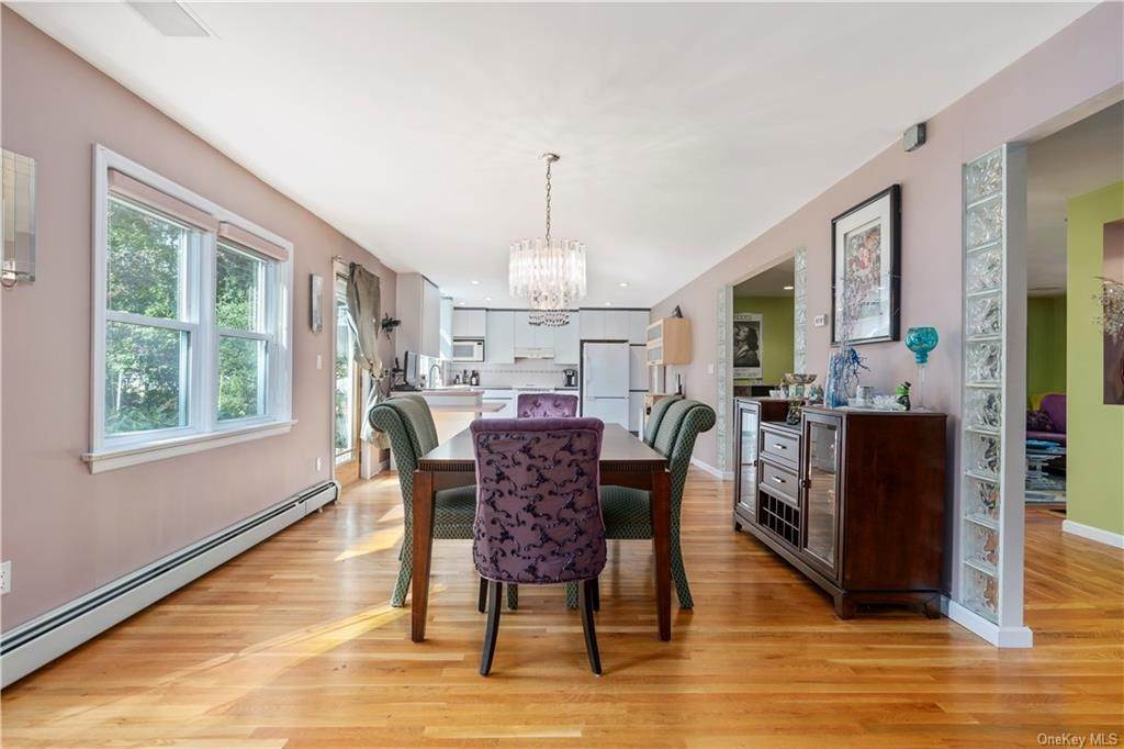 10. Single Family Home for Sale at 160 Woodlands Avenue White Plains, New York, 10607 United States