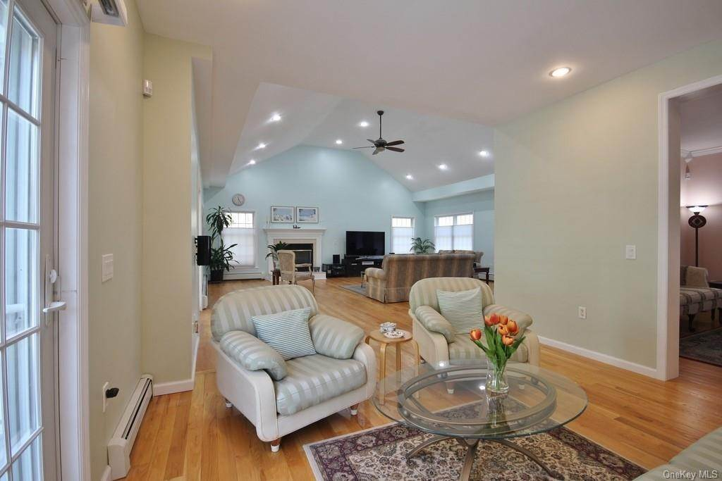 10. Single Family Home для того Продажа на 1774 Pleasantville Road Briarcliff Manor, Нью-Йорк, 10510 Соединенные Штаты