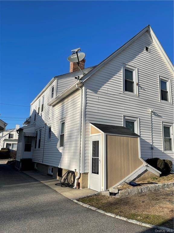 10. Single Family Home por un Venta en 32 Dover Lane Yonkers, Nueva York, 10710 Estados Unidos