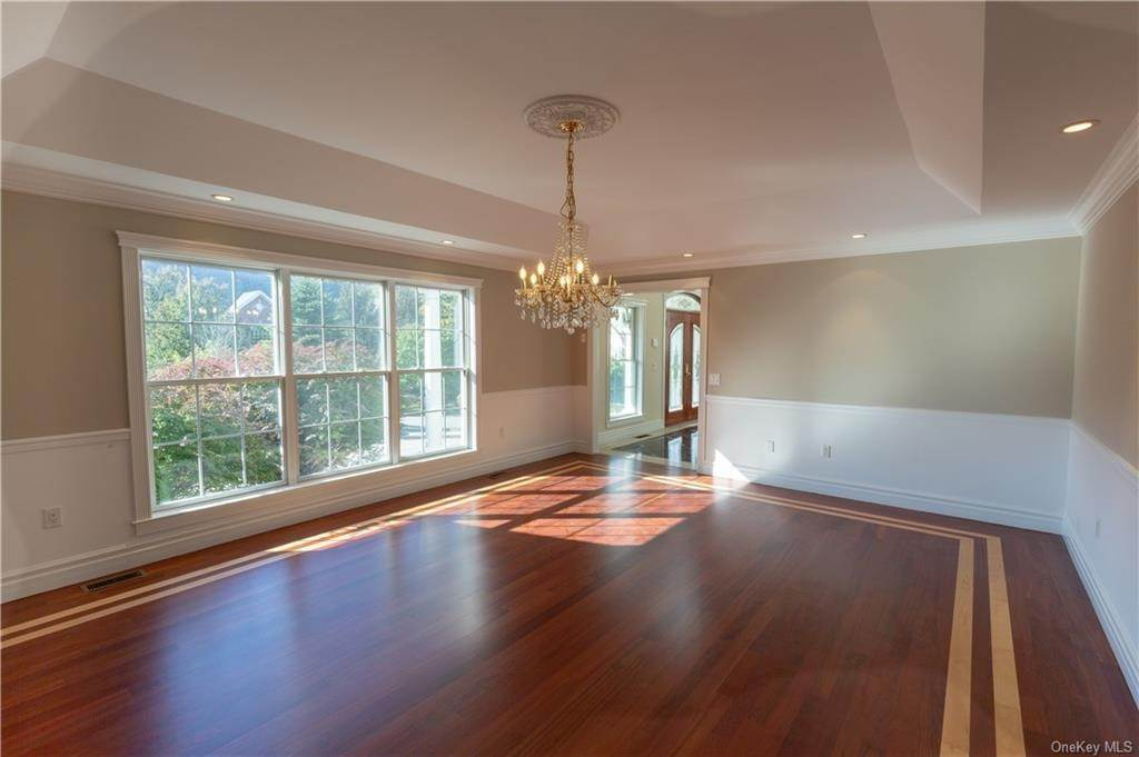 10. Single Family Home for Sale at 51 Juniper Terrace Tuxedo Park, New York, 10987 United States