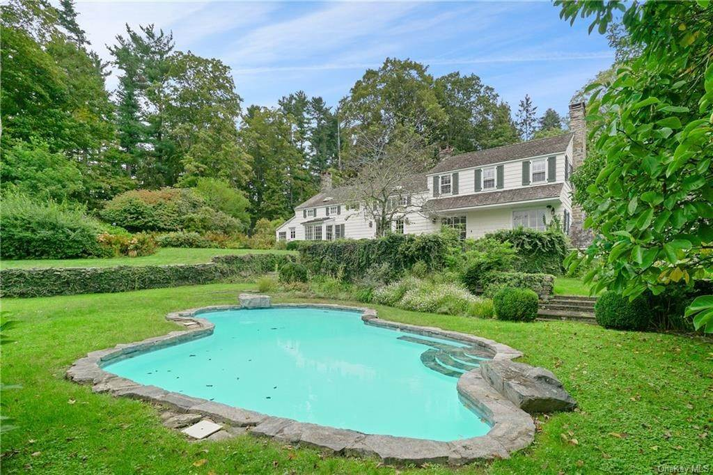 10. Single Family Home for Sale at 14 Middle Patent Road Armonk, New York, 10504 United States