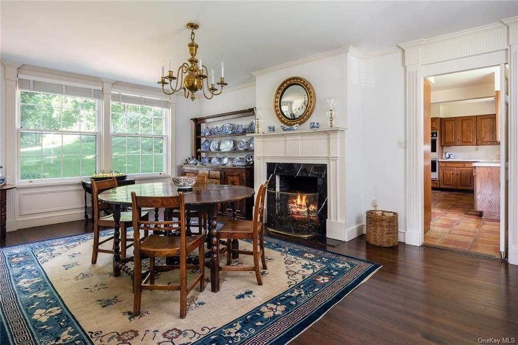 10. Single Family Home for Sale at 129 Fox Lane Bedford Corners, New York, 10549 United States