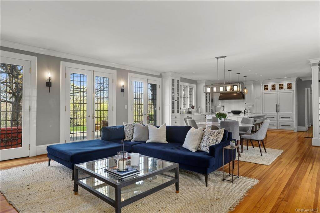11. Single Family Home for Sale at 10 Broad Brook Road Bedford Hills, New York, 10507 United States
