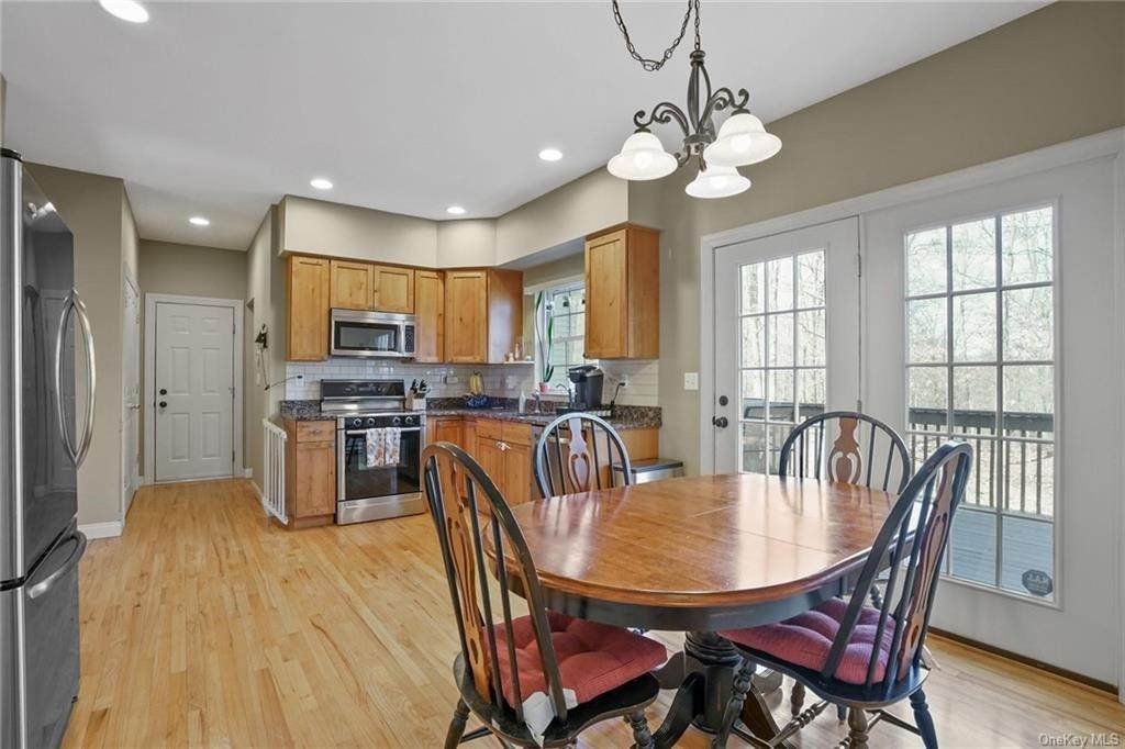 11. Single Family Home for Sale at 19 Coleman Drive Campbell Hall, New York, 10916 United States