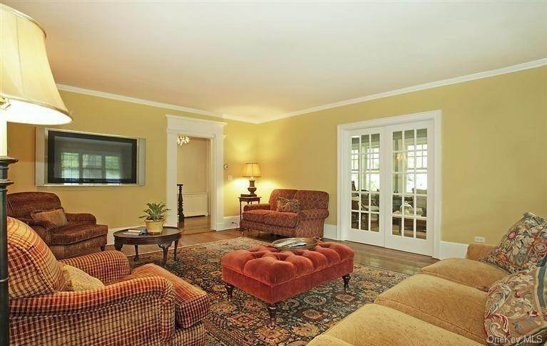 11. Single Family Home for Sale at 245 Bedford Banksville Road Bedford, New York, 10506 United States