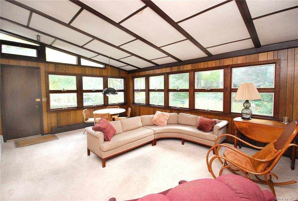 11. Single Family Home for Sale at 28 Wiltshire Street Bronxville, New York, 10708 United States