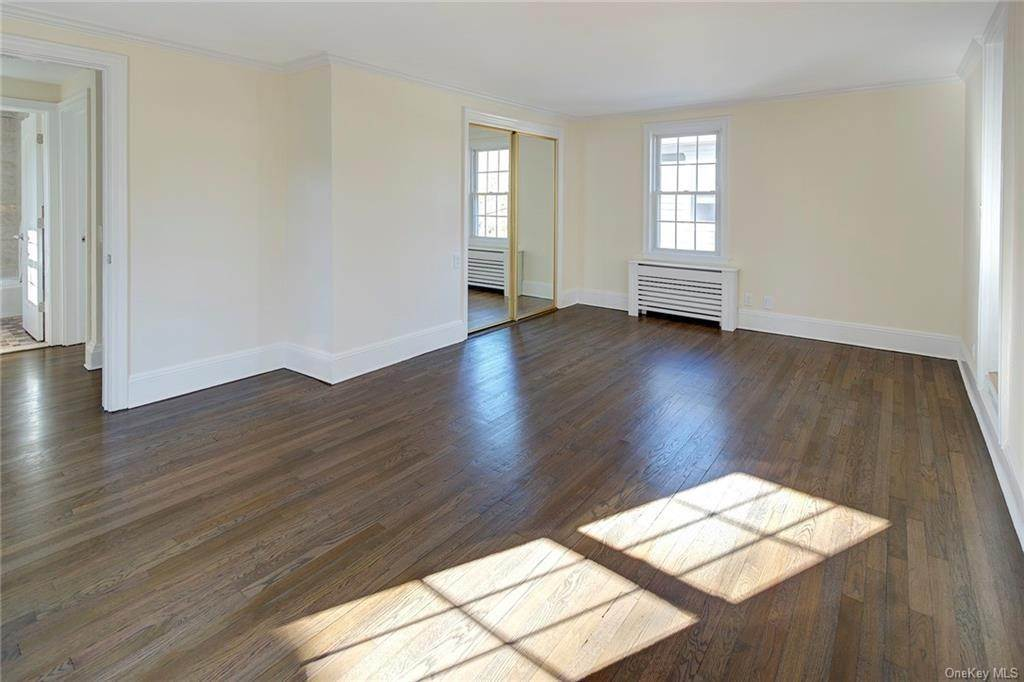 11. Single Family Home for Sale at 9 Wilson Drive Rye, New York, 10580 United States