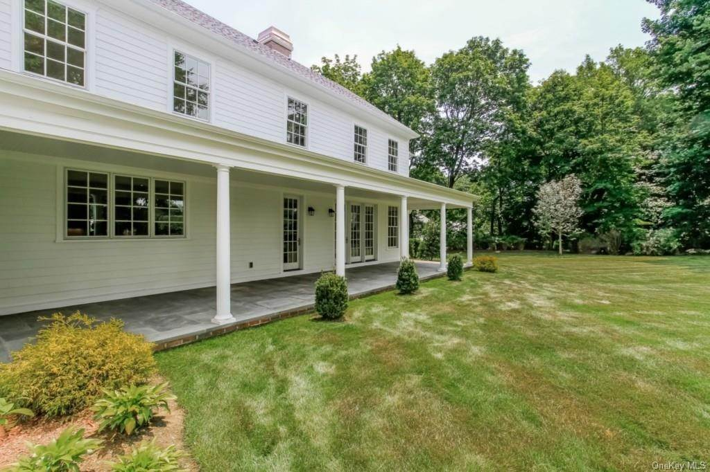 11. Single Family Home for Sale at 3 Meadow Road Scarsdale, New York, 10583 United States