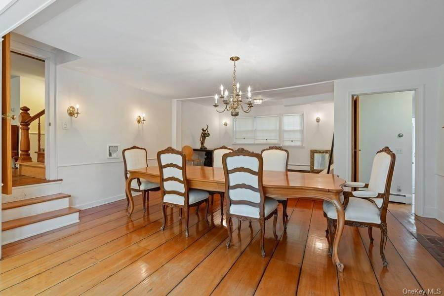 11. Single Family Home for Sale at 93 Wilmot Road New Rochelle, New York, 10804 United States