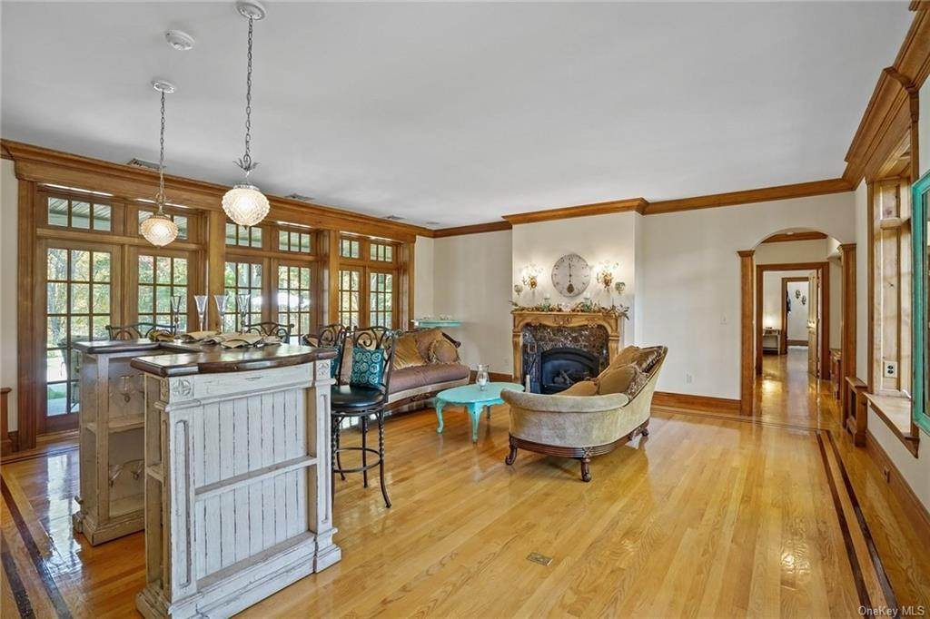 11. Single Family Home for Sale at 10 Greenwich Avenue Central Valley, New York, 10917 United States