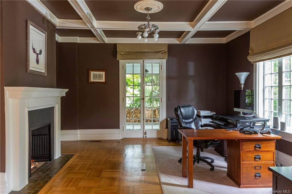 11. Single Family Home for Sale at 119 White Plains Road Bronxville, New York, 10708 United States