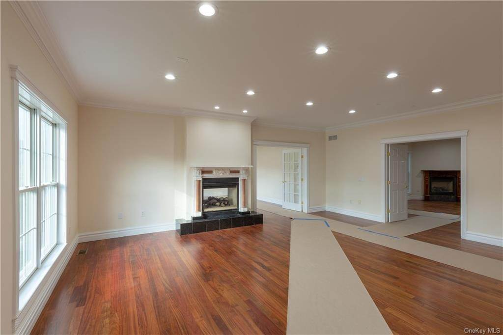 11. Single Family Home for Sale at 51 Juniper Terrace Tuxedo Park, New York, 10987 United States