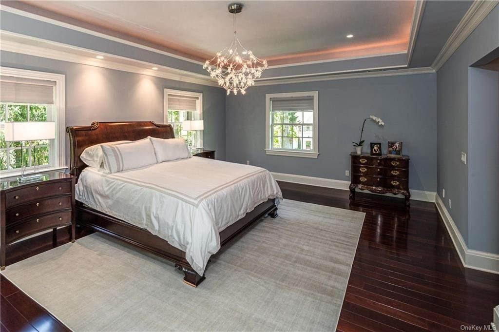 11. Single Family Home for Sale at 1 Woodland Avenue Bronxville, New York, 10708 United States