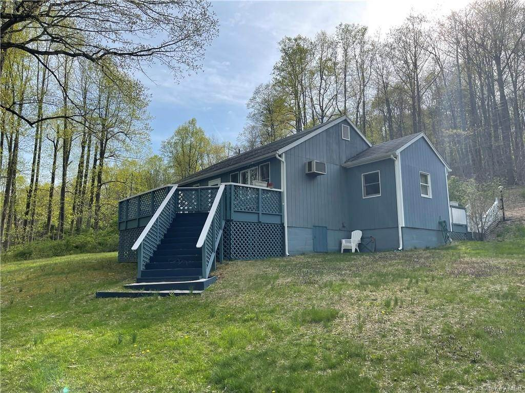 11. Single Family Home for Sale at 53 Mount Airy Road E Croton On Hudson, New York, 10520 United States