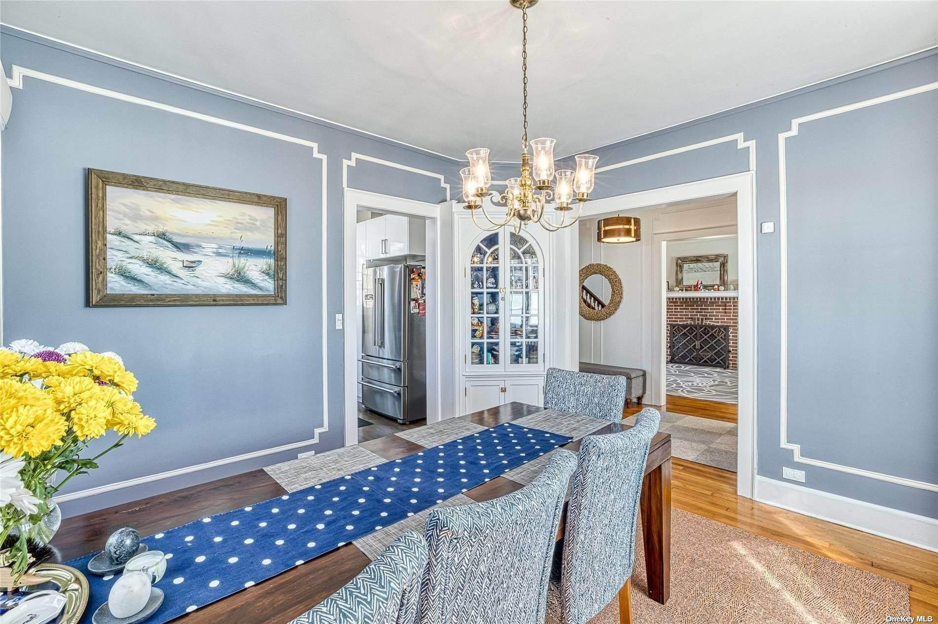 11. Single Family Home for Sale at 32 Soulice Place New Rochelle, New York, 10804 United States