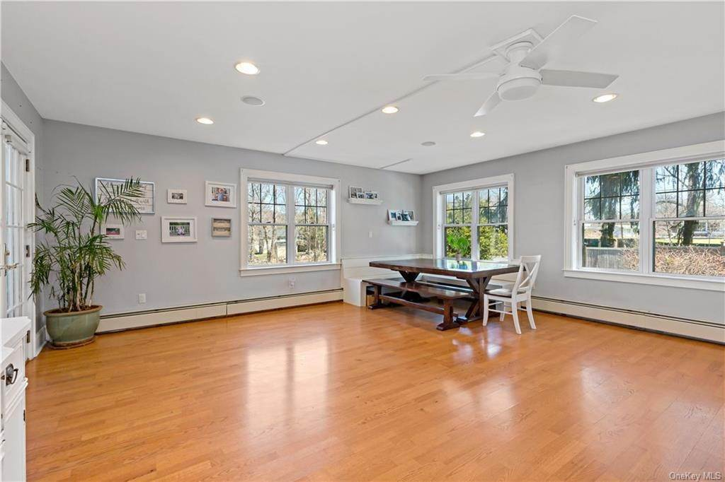 11. Single Family Home for Sale at 2032 Crompond Road Cortlandt Manor, New York, 10567 United States