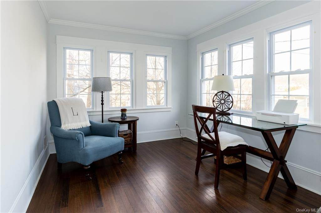 11. Single Family Home for Sale at 25 Wilbur Place Bronxville, New York, 10708 United States