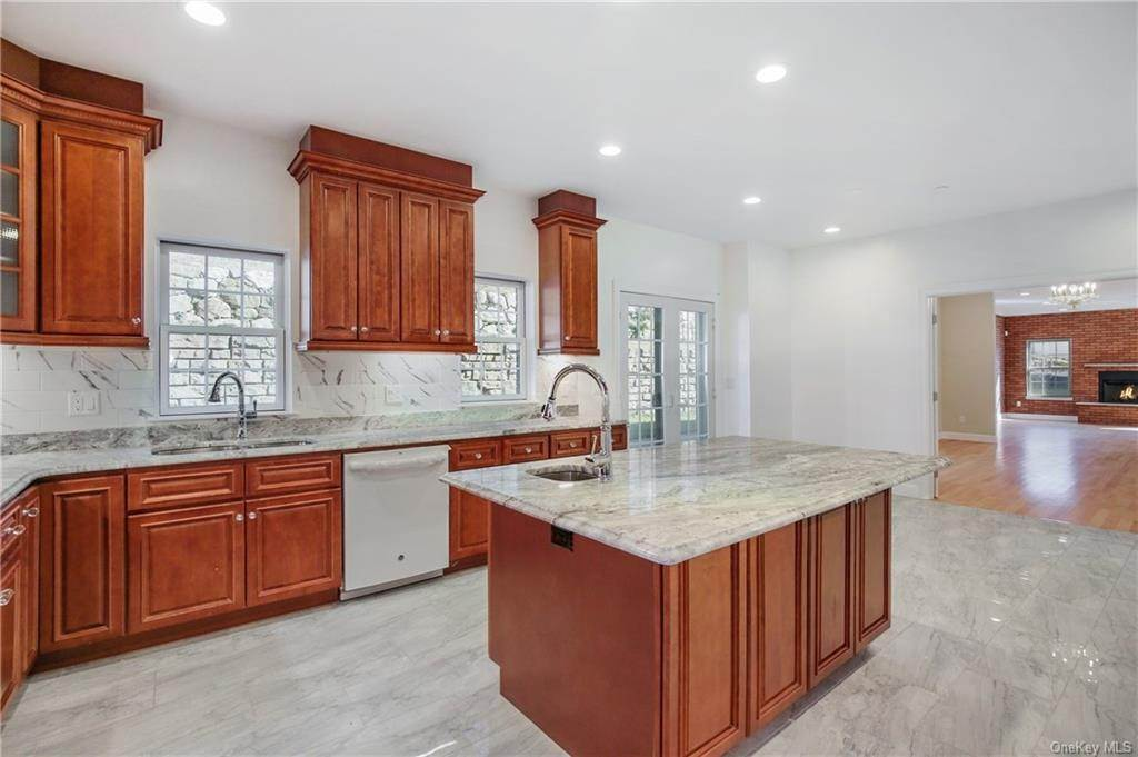 11. Single Family Home for Sale at 223 Sprain Road Scarsdale, New York, 10583 United States