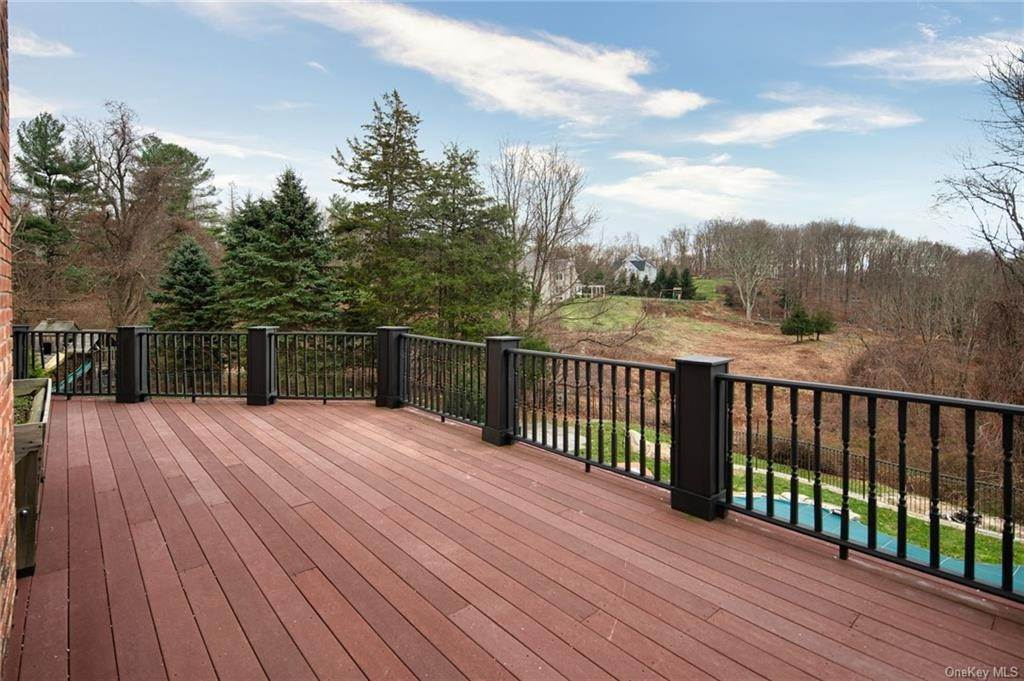 12. Single Family Home for Sale at 496 Long Ridge Road Bedford, New York, 10506 United States