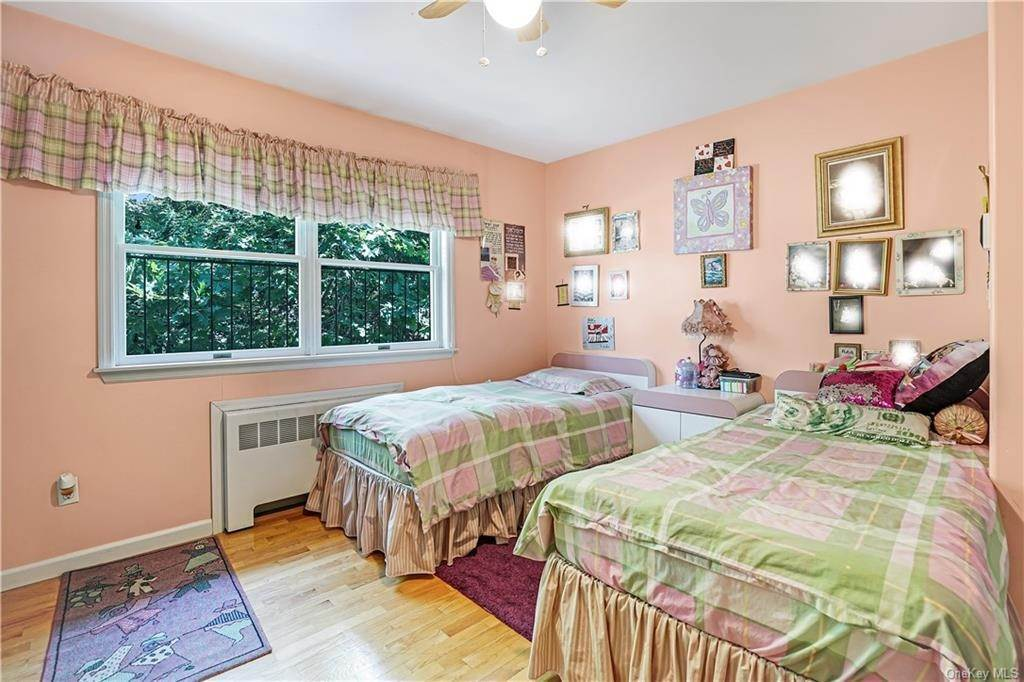 12. Single Family Home for Sale at 22 Stephens Place Spring Valley, New York, 10977 United States
