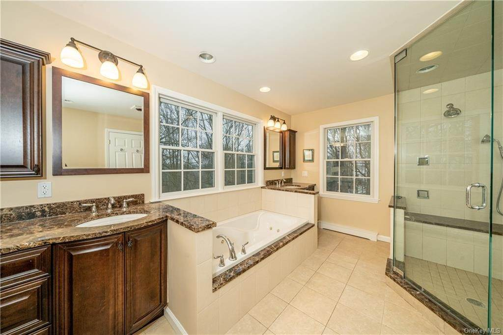 12. Single Family Home por un Venta en 16 Hillcrest Circle Chappaqua, Nueva York, 10514 Estados Unidos
