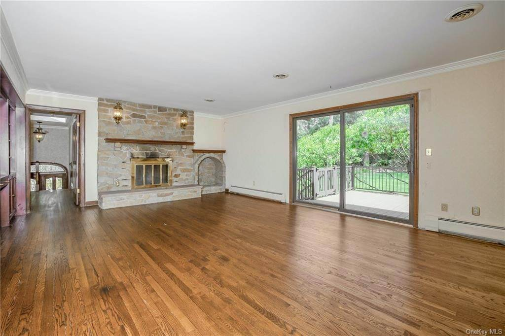 12. Single Family Home for Sale at 1A Century Road Palisades, New York, 10964 United States