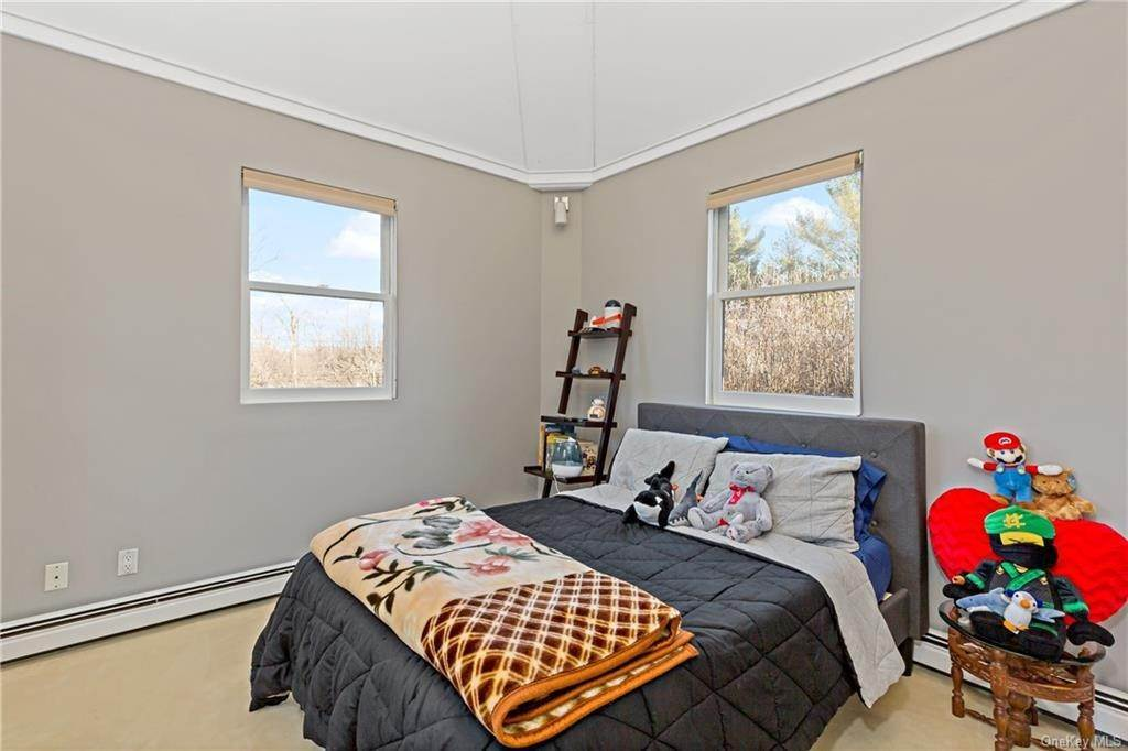 12. Single Family Home for Sale at 12 Clinton Avenue Dobbs Ferry, New York, 10522 United States