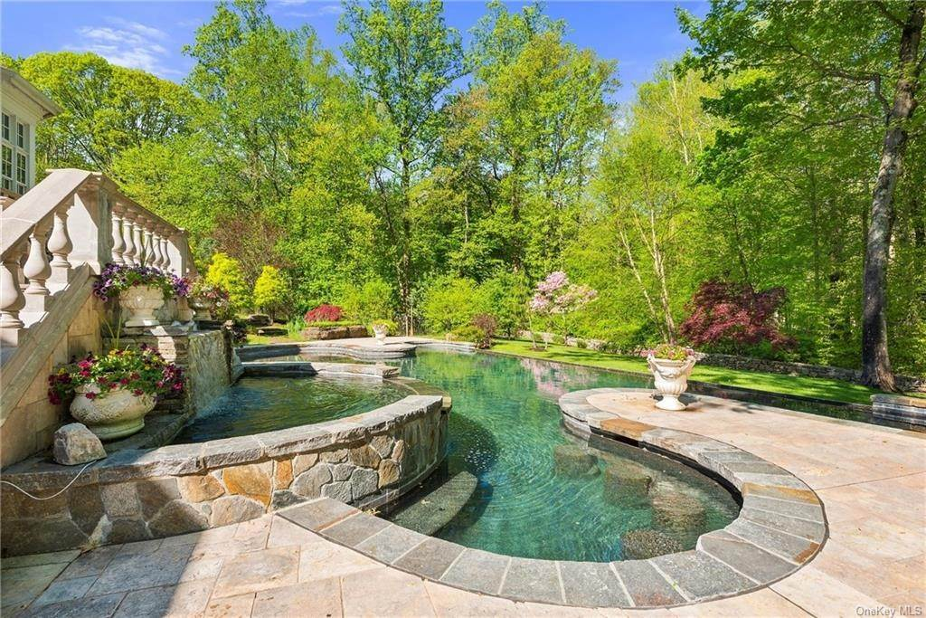 12. Single Family Home for Sale at 115 Lower Shad Road Pound Ridge, New York, 10576 United States