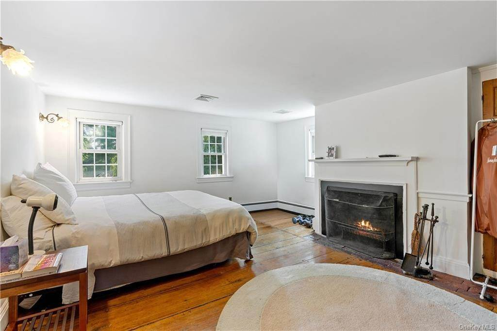 12. Single Family Home for Sale at 93 Wilmot Road New Rochelle, New York, 10804 United States