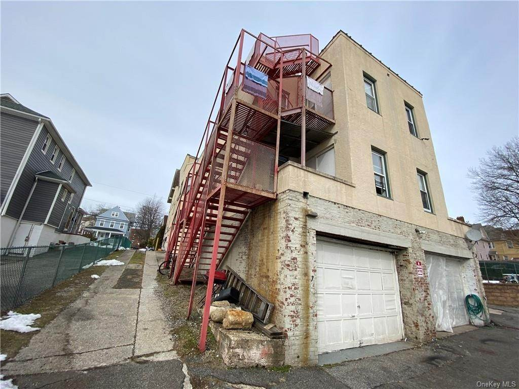 12. Single Family Home for Sale at 160-164 Elm Avenue Mount Vernon, New York, 10550 United States