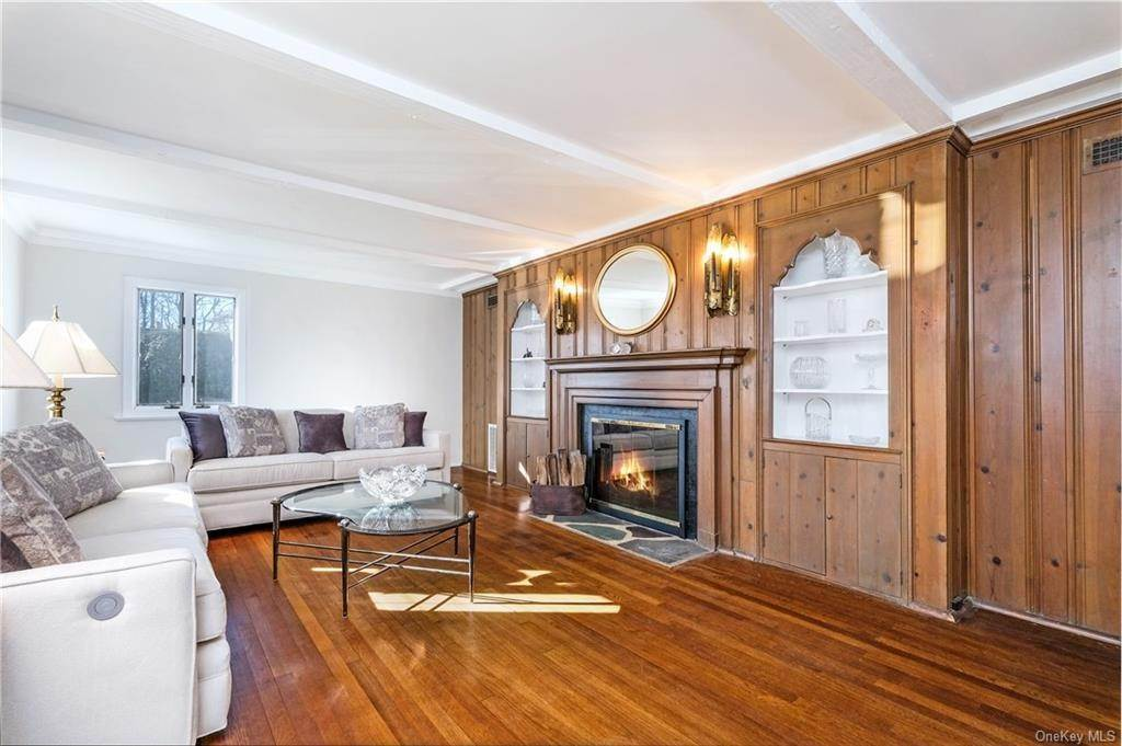 12. Single Family Home for Sale at 19 Old Well Road Purchase, New York, 10577 United States