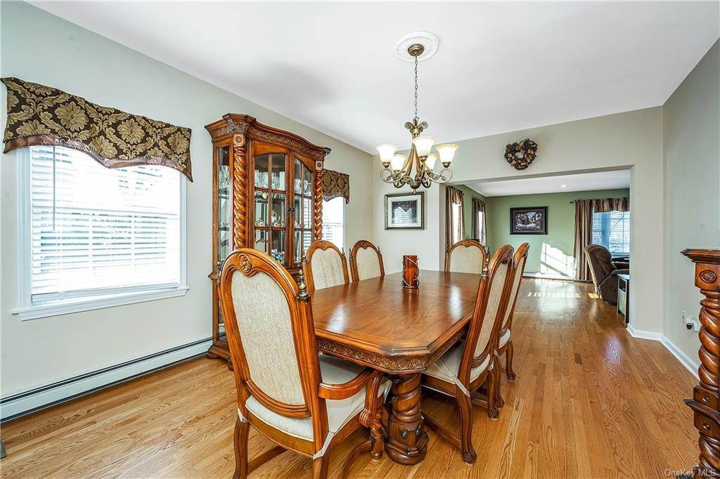 12. Single Family Home for Sale at 35 Sylvan Road Port Chester, New York, 10573 United States