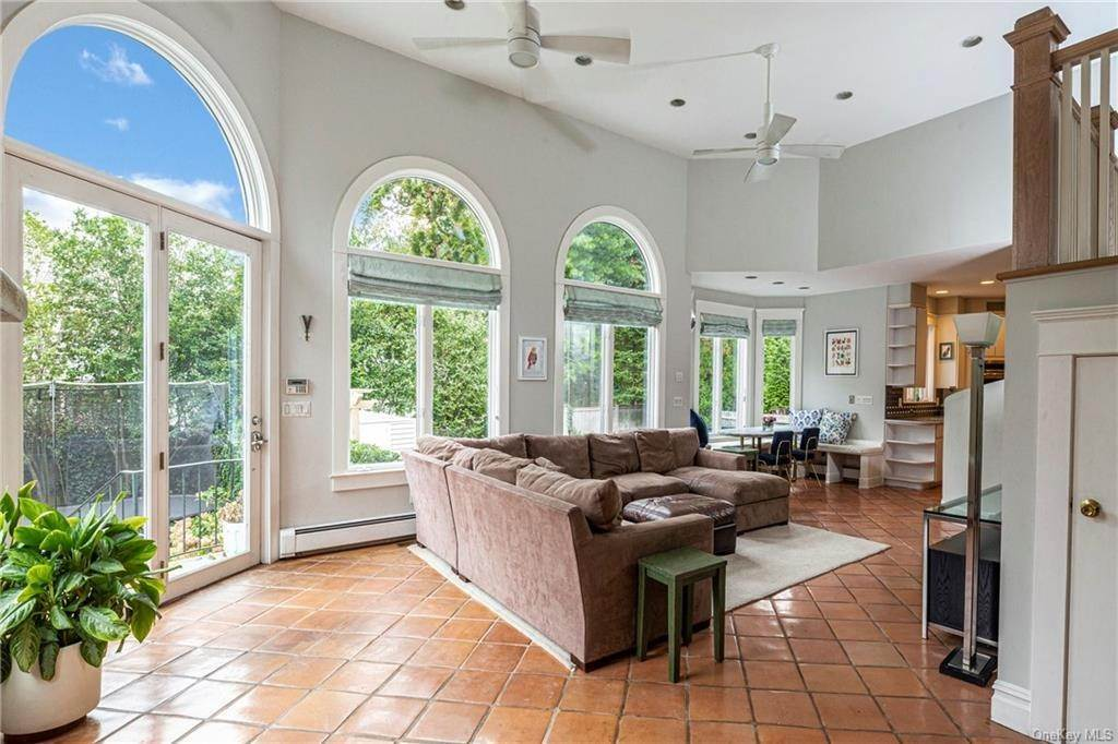 12. Single Family Home for Sale at 119 White Plains Road Bronxville, New York, 10708 United States