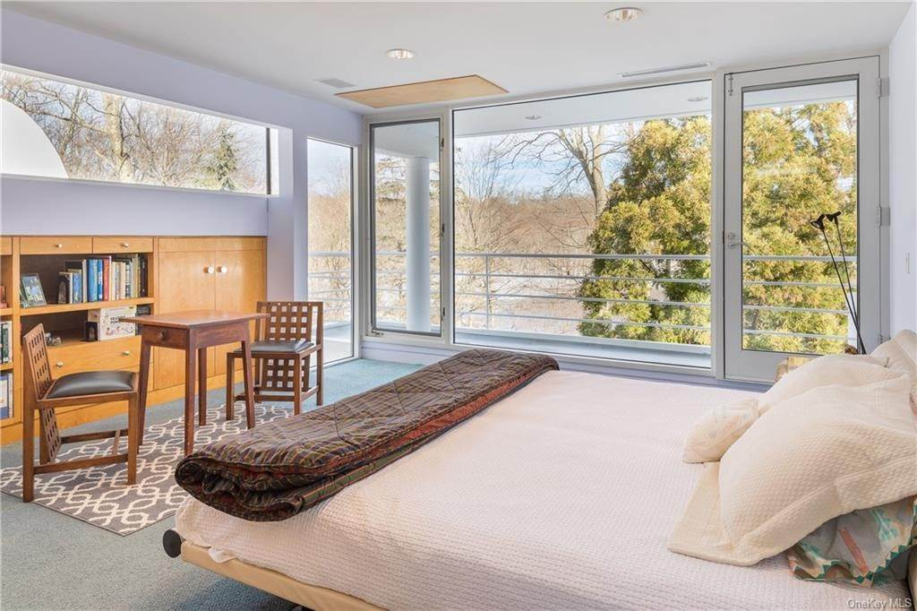 12. Single Family Home for Sale at 38 Mallard Lake Road Pound Ridge, New York, 10576 United States