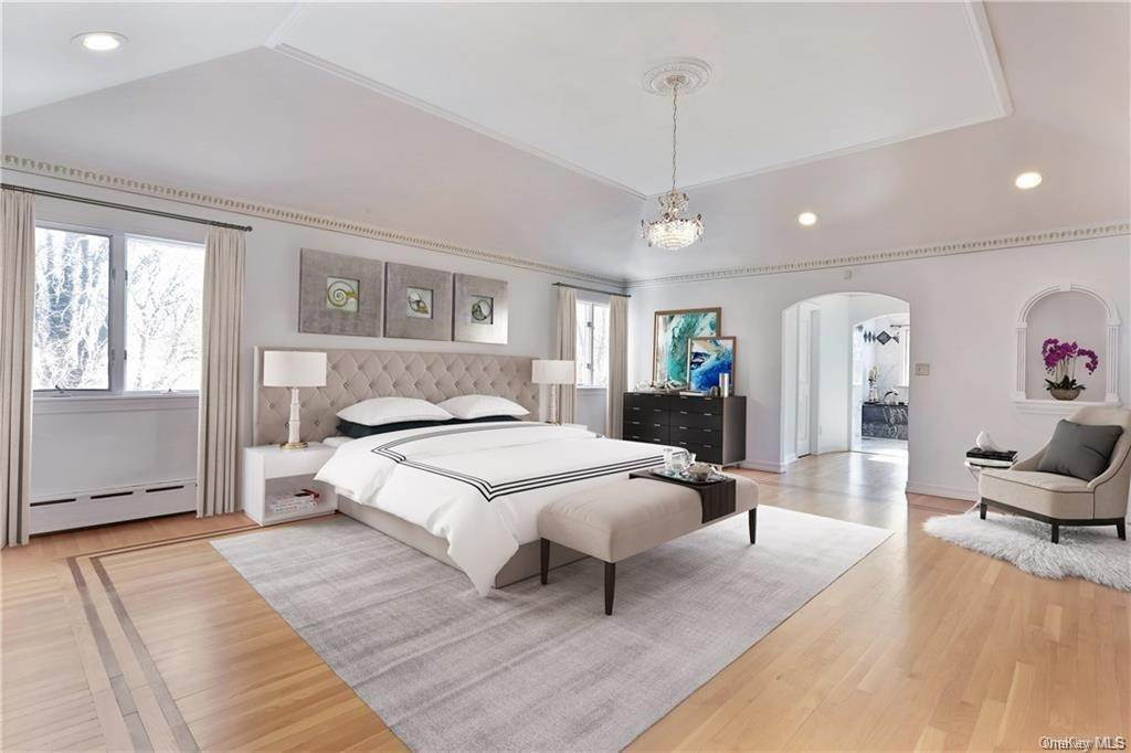 13. Single Family Home for Sale at 11 Kenilworth Lane Rye, New York, 10580 United States