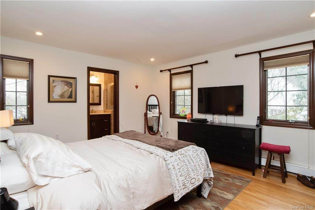 13. Single Family Home pour l Vente à 4 Spruce Road Larchmont, New York, 10538 États-Unis