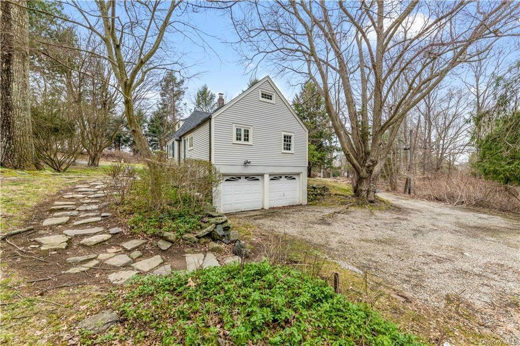 13. Single Family Home for Sale at 515 Long Ridge Road Bedford, New York, 10506 United States