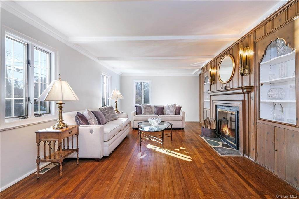 13. Single Family Home for Sale at 19 Old Well Road Purchase, New York, 10577 United States