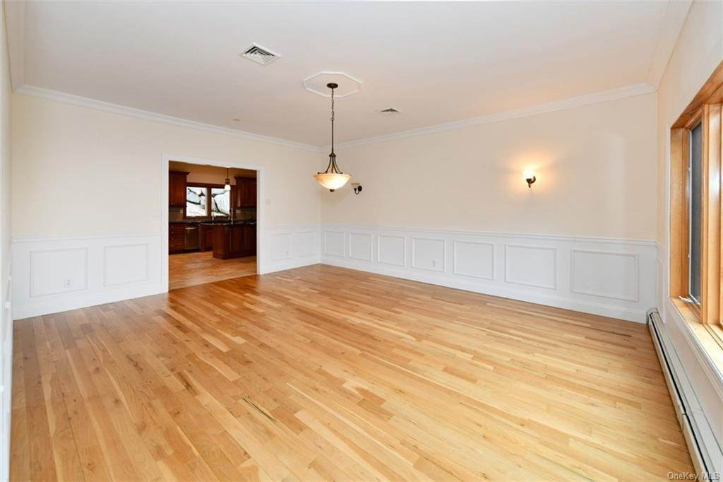 13. Single Family Home for Sale at 60 Central Highway New City, New York, 10956 United States