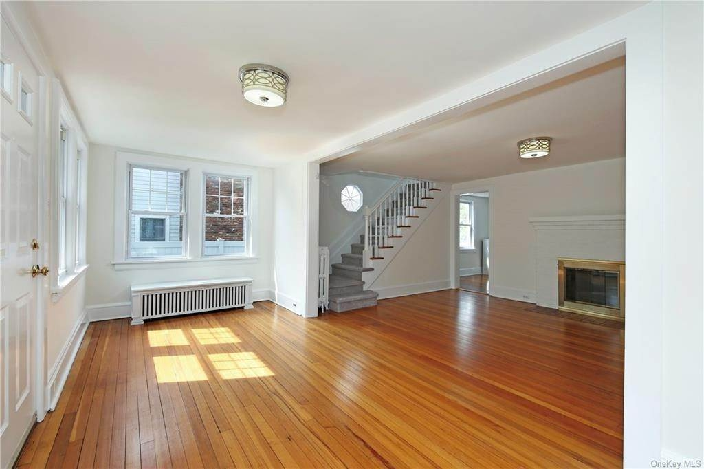13. Single Family Home for Sale at 211 Oakland Beach Avenue Rye, New York, 10580 United States