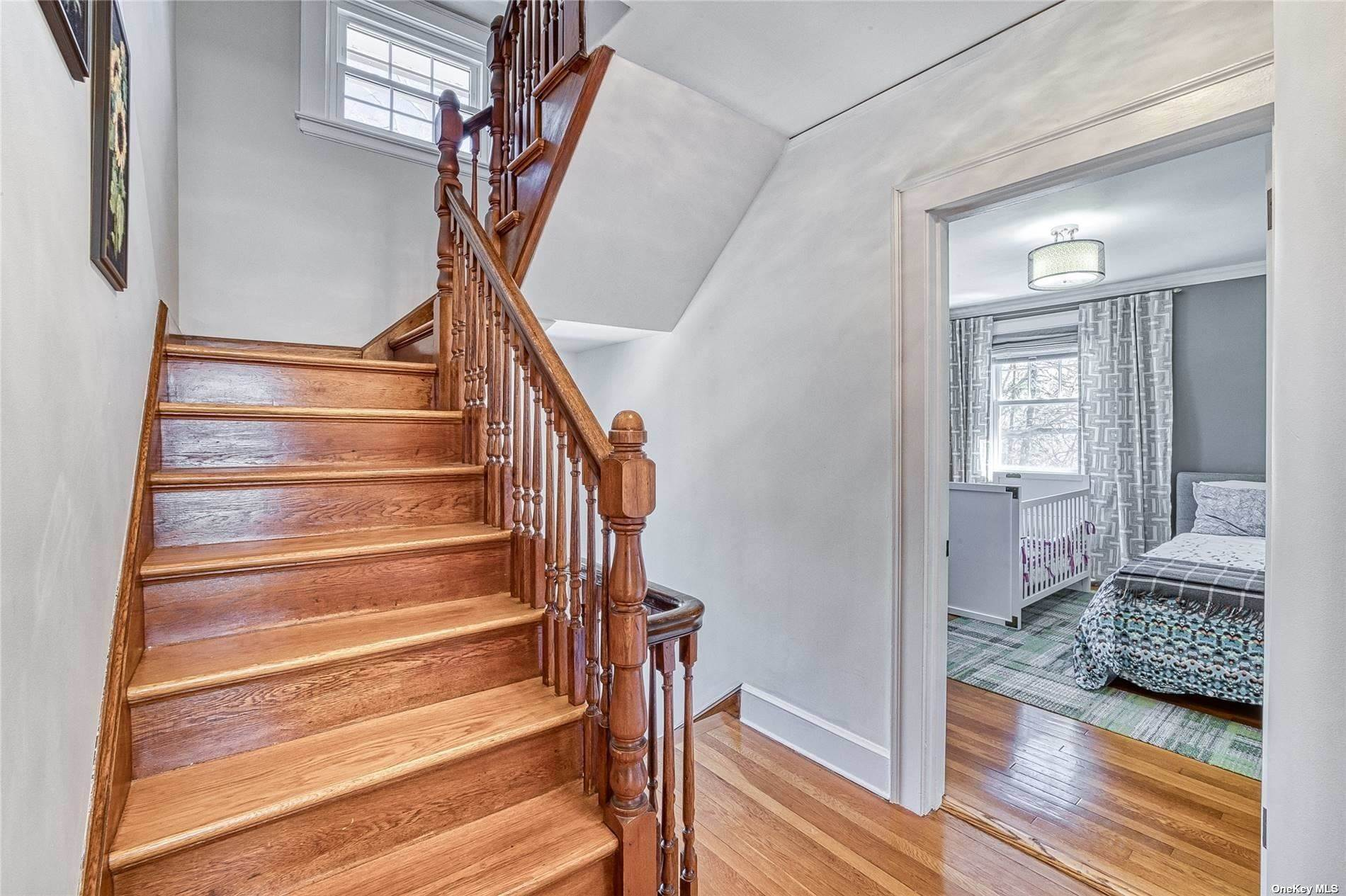 13. Single Family Home for Sale at 32 Soulice Place New Rochelle, New York, 10804 United States