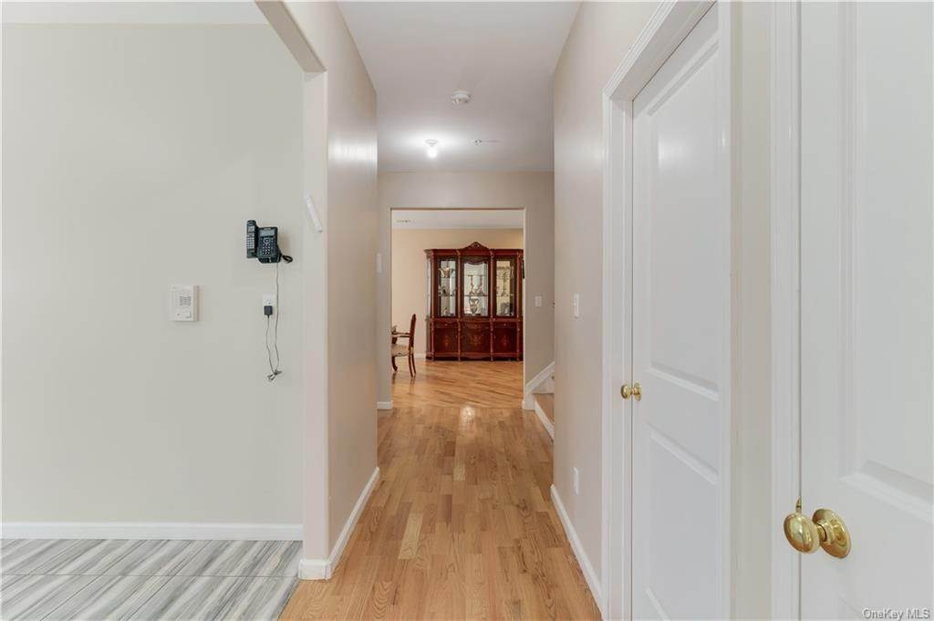 13. Single Family Home for Sale at 103 Decatur Avenue Spring Valley, New York, 10977 United States