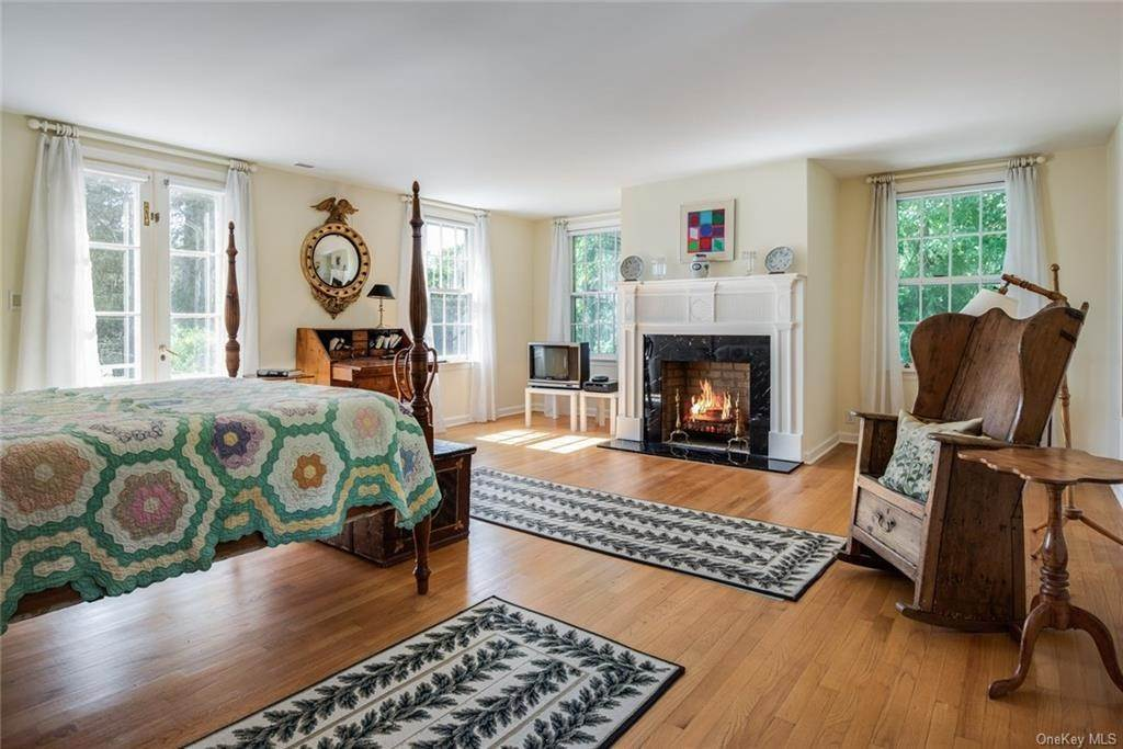 13. Single Family Home for Sale at 129 Fox Lane Bedford Corners, New York, 10549 United States